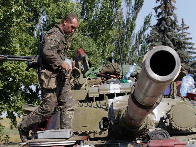 مقتل 3 جنود وإصابة 12 مدنيا بجروح في شرق أوكرانيا