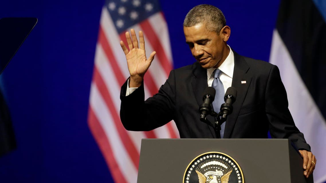 U.S. President Barack Obama greets the audience before his remarks in Tallinn September 3, 2014. (Reuters)