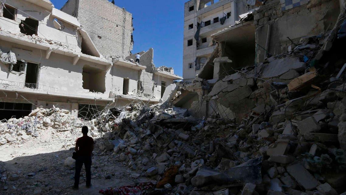 طائرات الأسد تحصد 42 مدنياً بينهم نساء وأطفال