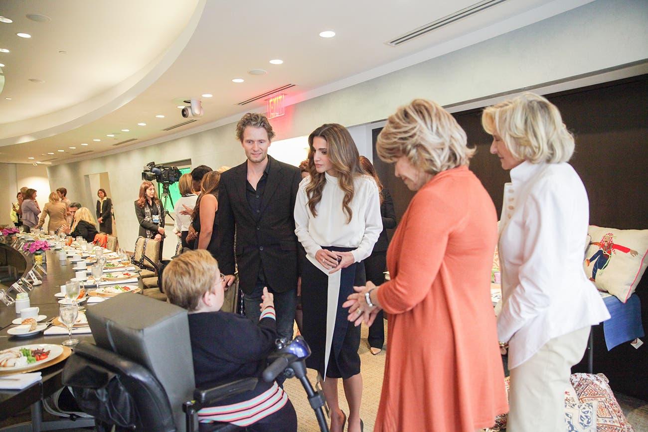 الملكة رانيا تلتقي في نيويورك ناشطين اجتماعيين