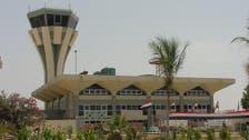 اليمن يُسلم عُمان خبيرين من الحرس الإيراني