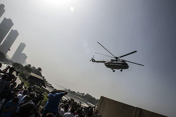 طائرة تنقل مبارك من مقر المحكمة
