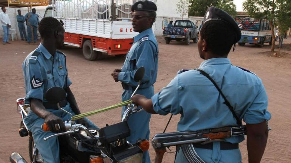 Sudanese police officers stand guard in Khartoum on April 10, 2010 (AFP)