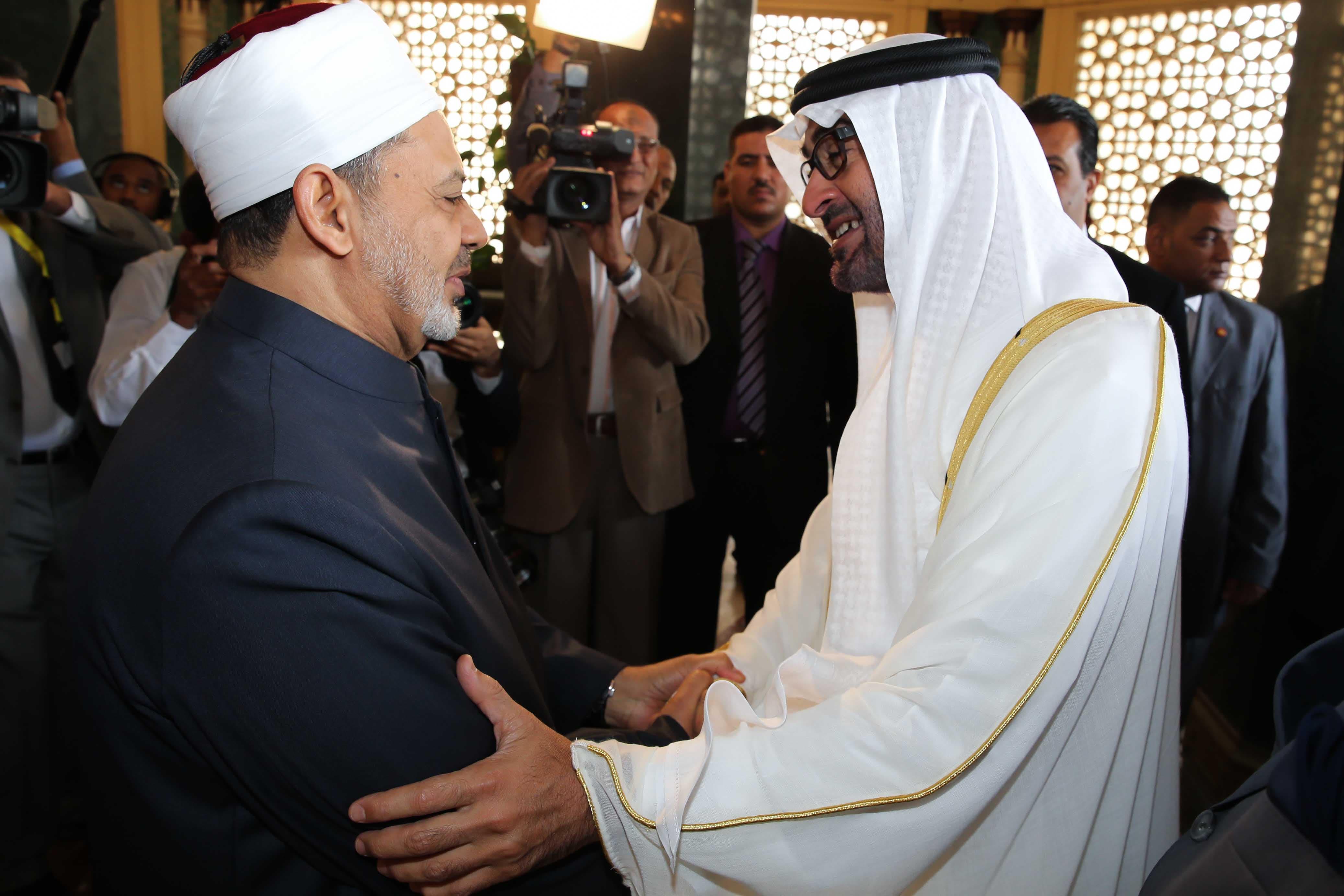 The Grand Imam of al-Azhar welcomes an Emirati delegation.