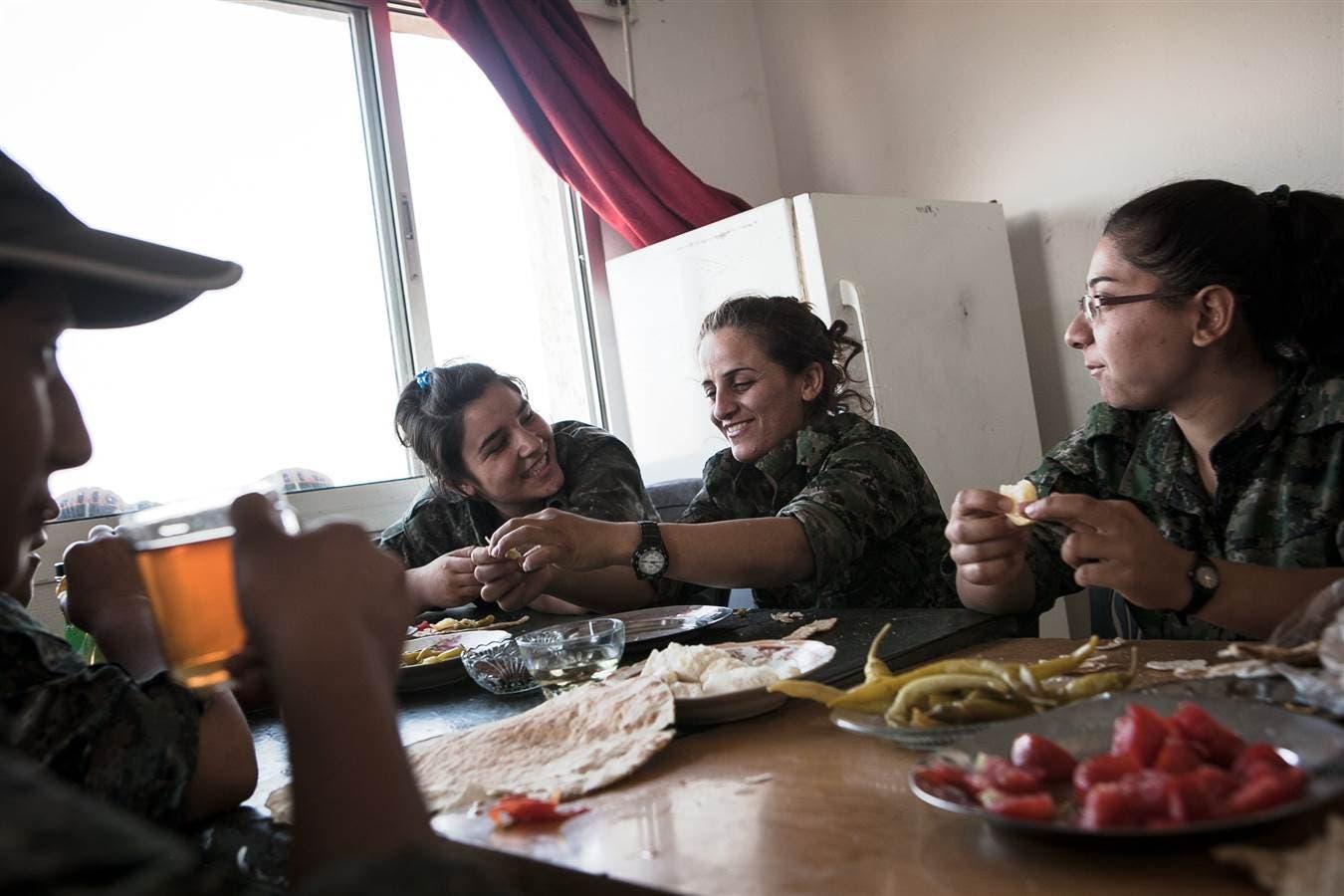 كرديات لمحاربة داعش