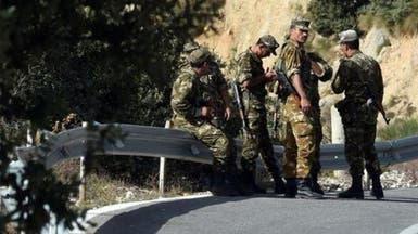 الجزائر: القضاء على 3 إرهابيين أحدهم مختص بالتفجيرات