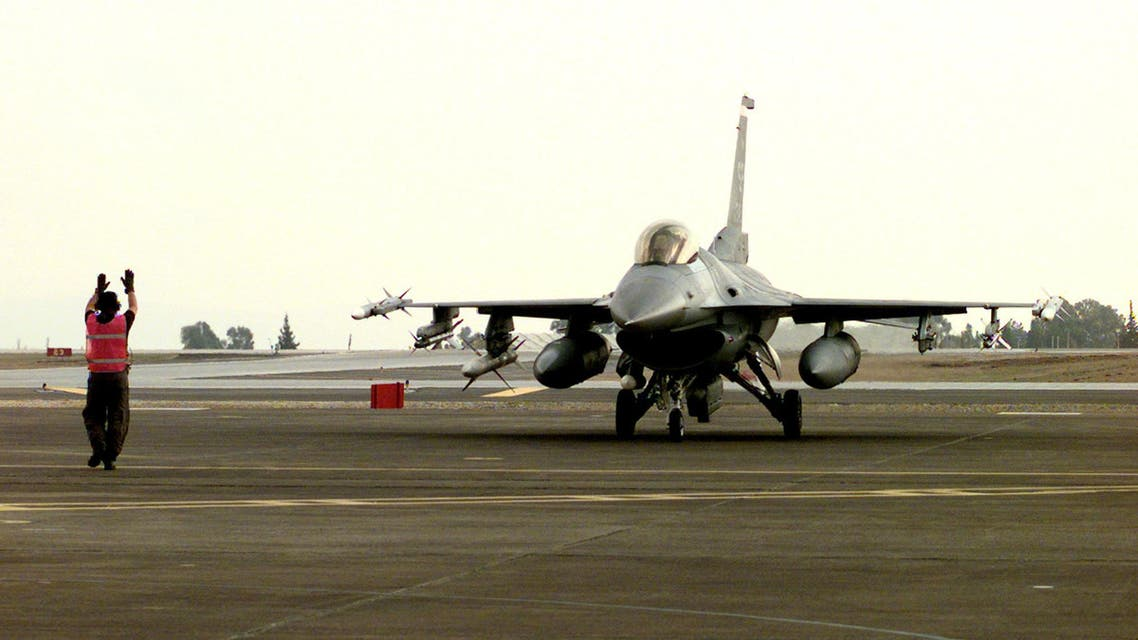 Staff Sgt. Rodney Johns marshals an F-16CJ Fighting Falcon to a parking spot at Incirlik Air Base, Turkey, after an Operation Northern Watch mission enforcing the northern no-fly-zone over Iraq on Jan. 11, 1999. (www.defense.gov)