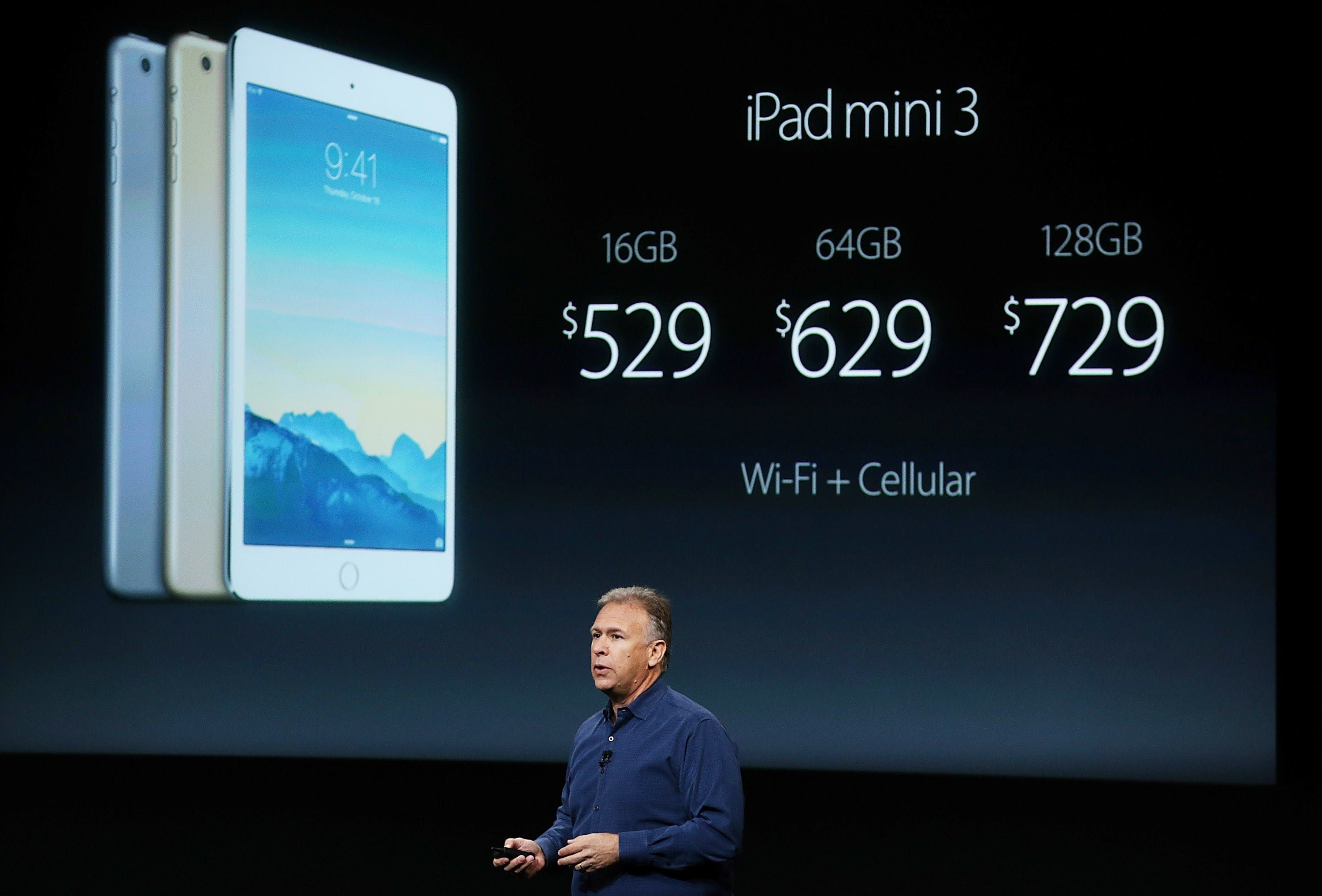 Apple's Senior Vice President of Software Engineering Craig Federighi speaks during an event introducing new iPads at Apple's headquarters October 16, 2014 in Cupertino, California. (AFP)