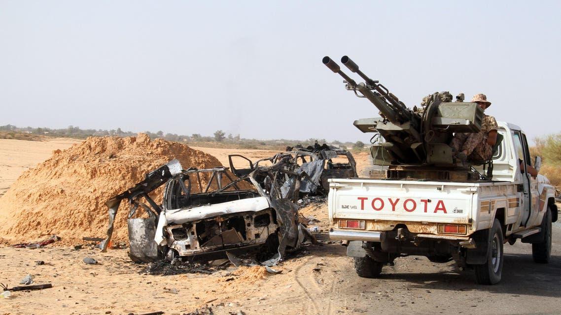 """عناصر من ميليشيا """"فجر ليبيا"""" على مقربة من طرابلس"""