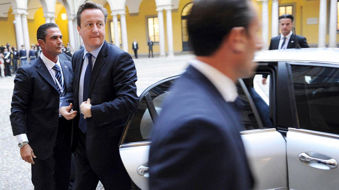 ritish Prime Minister David Cameron (2nd L) arrives for a meeting on the sidelines of a Europe-Asia summit (ASEM) in Milan October 17, 2014.  (Reuters)