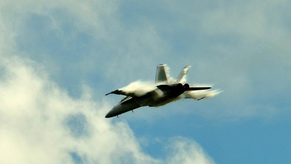 الطائرات تخترق جدار الصوت