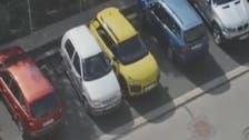 فيديو مضحك.. شقراء حاولت ركن سيارتها أكثر من 6 مرات!