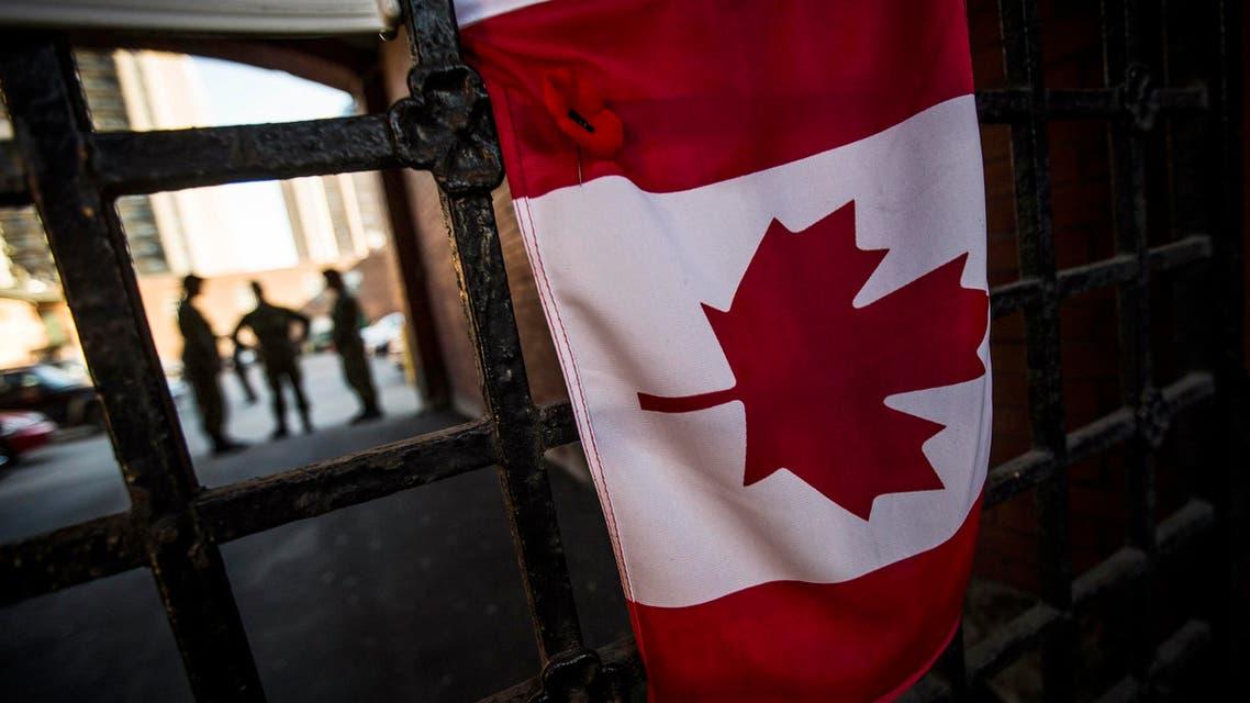 جنود أمام البرلمان الكندي