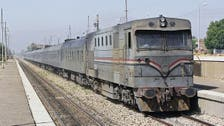 أجبر ركاباً على مغادرته أثناء سيره.. سجن رئيس قطار مصري