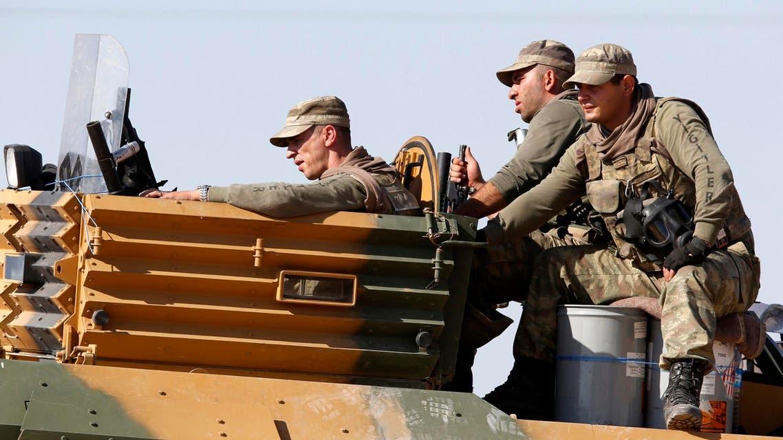 عناصر من الجيش التركي أتراك في الجيش درعة آلية عسكرية تركية
