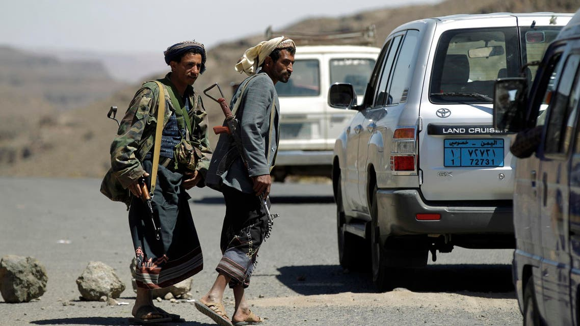 Shi'ite Houthi rebels man a checkpoint in Yareem town of Yemen's central province of Ibb October 22, 2014.  (Reuters)