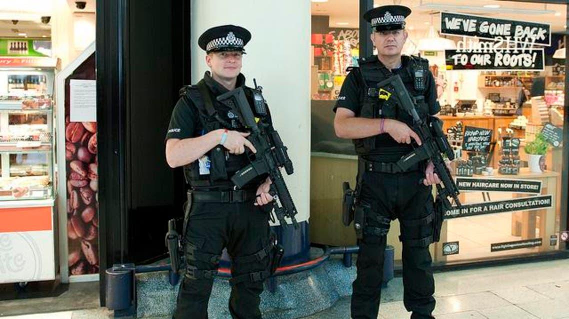 """أميركا """"تستنفر"""" وبريطانيا تنشر قوات مسلحة في لندن"""