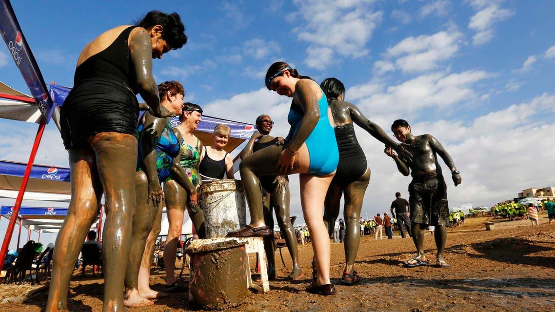 Breaking Guinness record at Jordan's dead sea