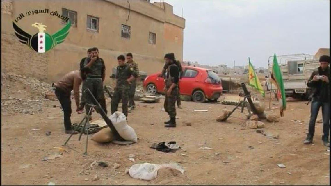 THUMBNAIL_ الجيش السوري الحر و وحدات حماية الشعب الكردية يقومان بقصف مواقع تنظيم داعش