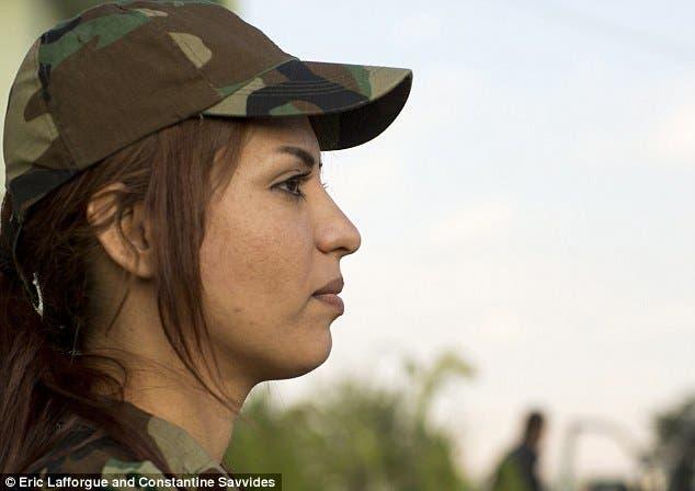 Kurdish female fighters Peshmerga Daily Mail