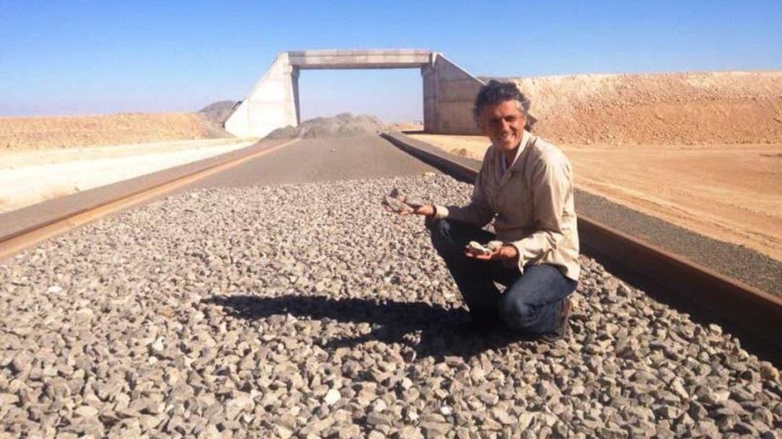 المشي على الأقدام السياسة الجزائرية على طريقة رشيد نكاز