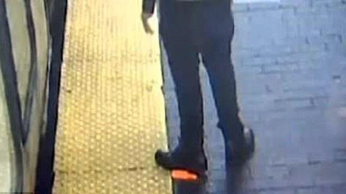 رجل من بوسطن يسرق هاتف امرأة قتلها قطار