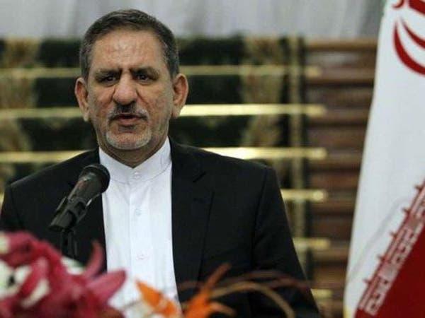 نائب روحاني يتوسل سائقي الشاحنات للصبر عدة أشهر أخرى