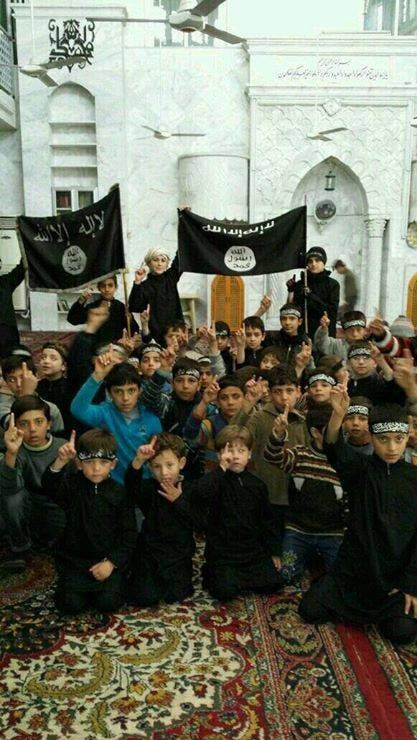 تجنيد أطفال داعش