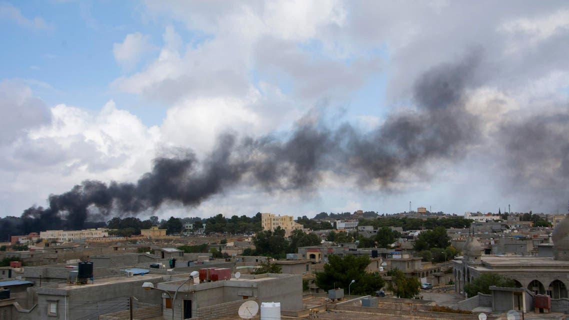 Black smoke rises from the scene of a bomb blast in Shahat, eastern Libya, November 9, 2014. (Reuters)