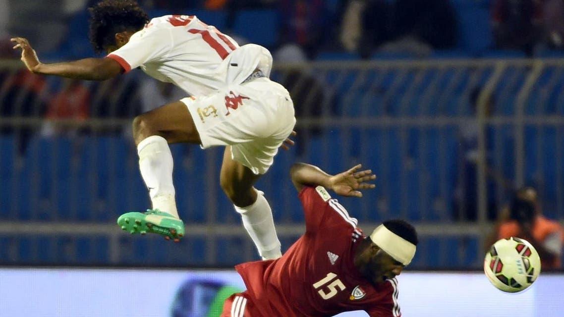 تنافس الخليجيون على الأرض والحو ..!