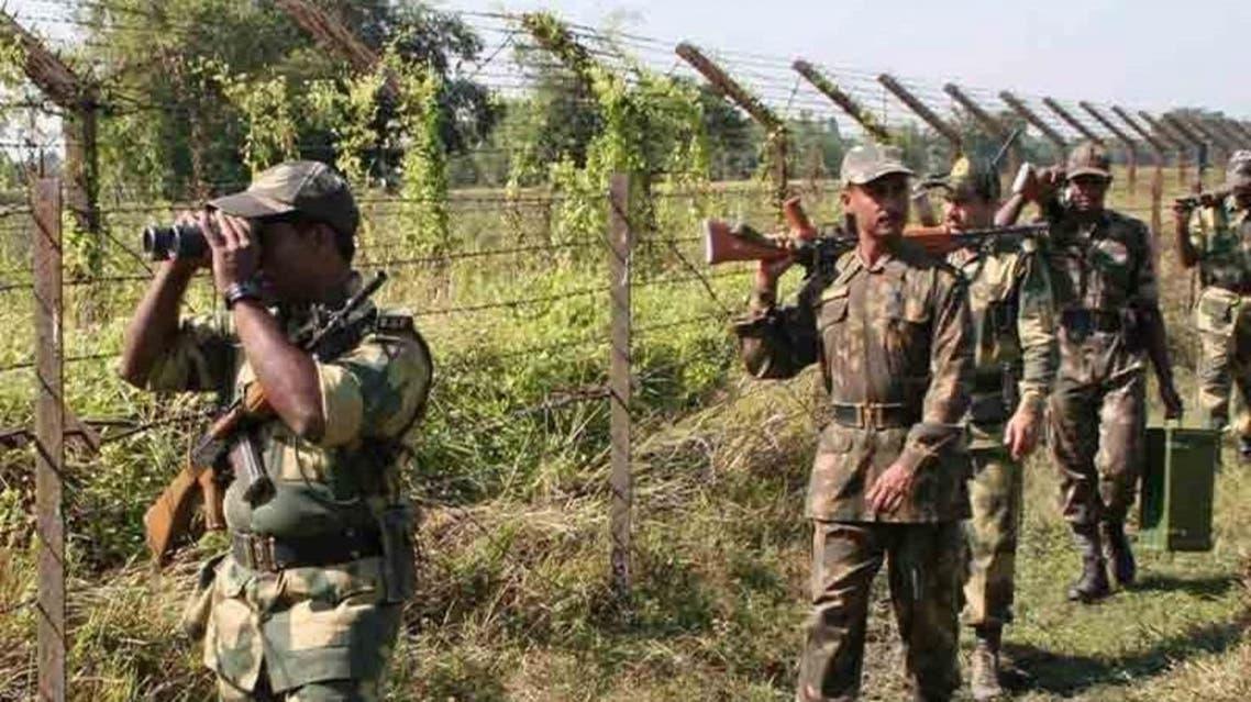 مقتل 4 جنود وفقد 8 في هجوم صاروخي