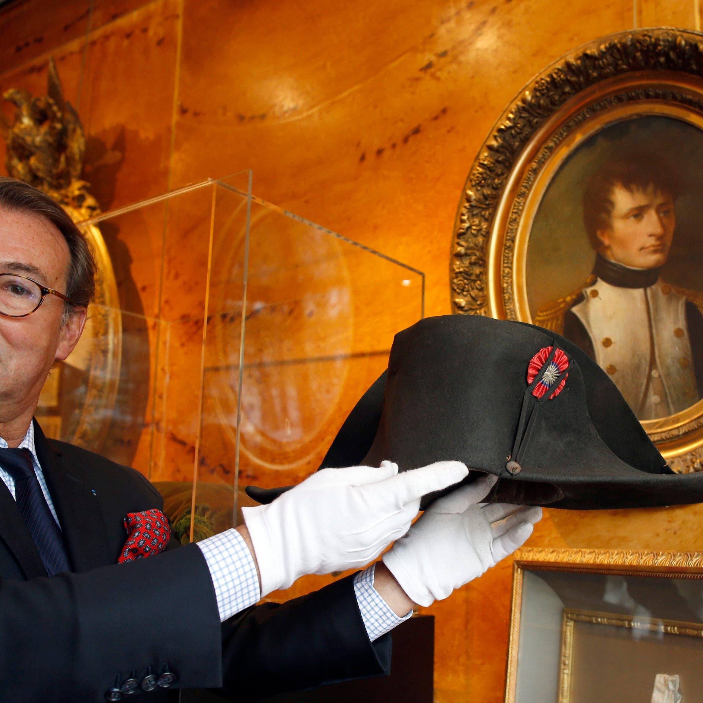 بيع قبعة لنابوليون بونابرت بأكثر من مليوني دولار
