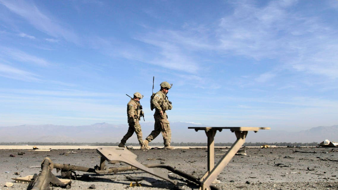 U.S. troops inspect at the site of a suicide attack on the outskirts of Jalalabad, November 13, 2014. (File photo: Reuters)