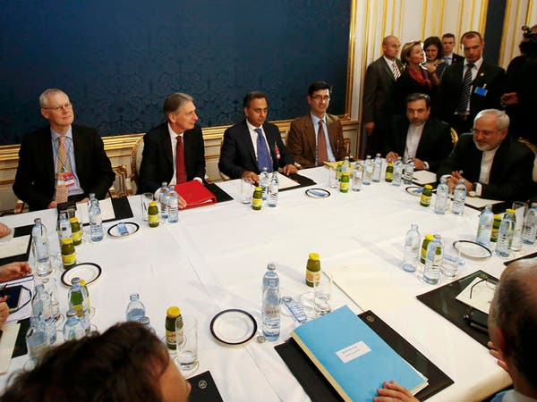 الدول الكبرى تبحث مع إيران تمديد مفاوضات النووي