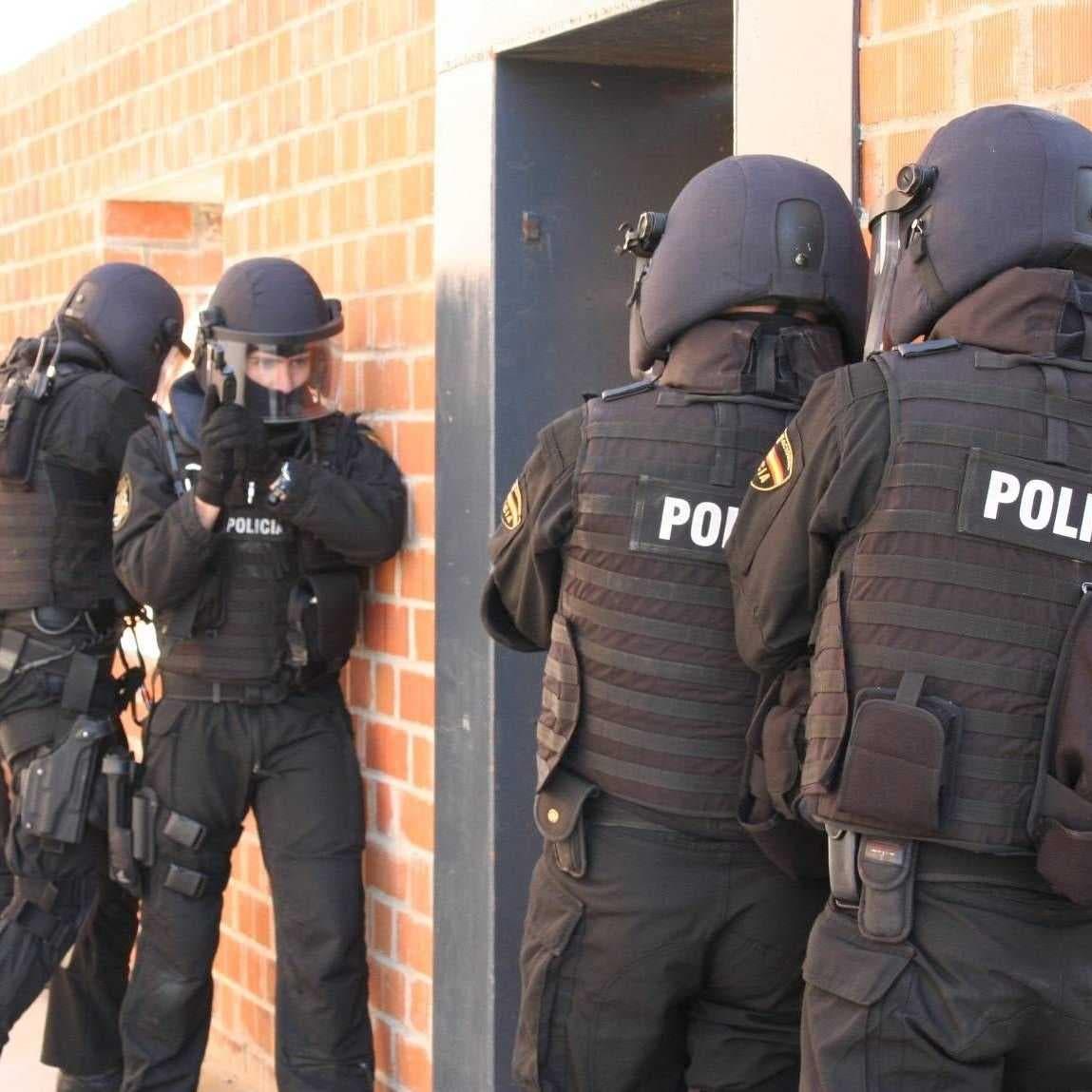 اسبانيا تقبض على 4 متهمين بالترويج للتطرف