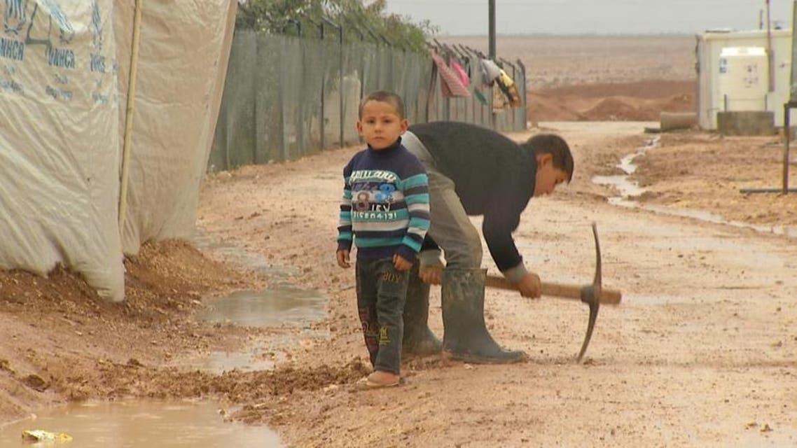 مزيد من المعاناة للاجئين السوريين مع دخول الشتاء