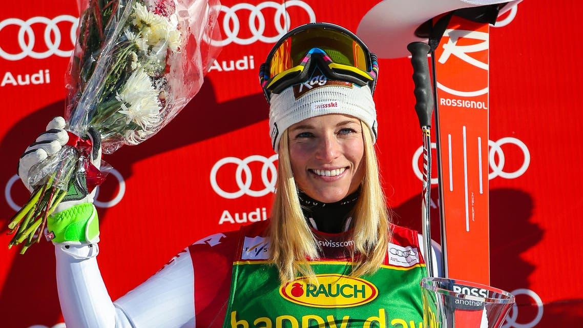 """ليندسي فون الحائزة على جائزة التزلج """"سوبر جي"""""""