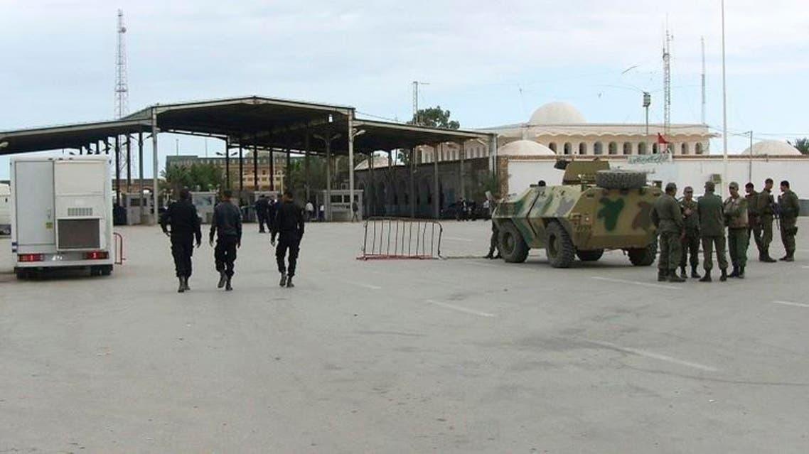 معبر رأس جدير الحدودي بين تونس و ليبيا