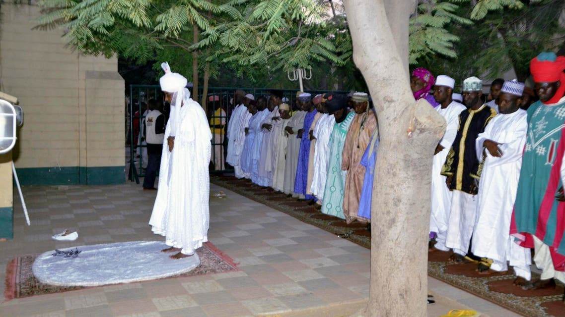 Emir of Kano, Muhammed Sanusi II, leads evening prayers at Kano Central Mosque as part of his visit to inspect the premises in Kano November 29, 2014. (Reuters)