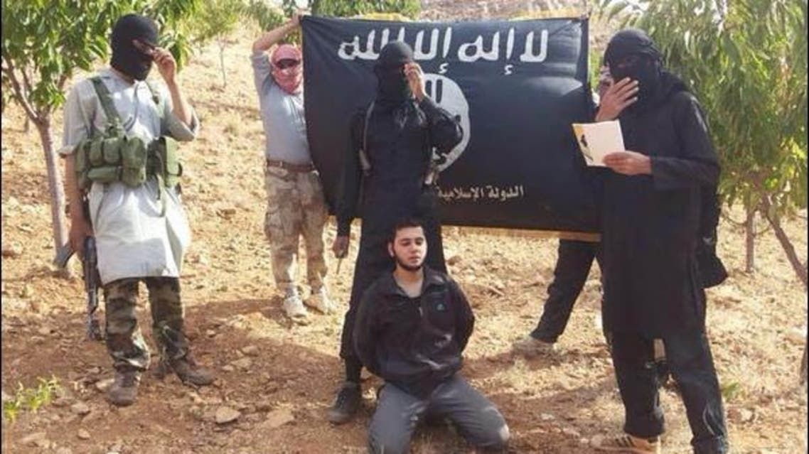 "داعش"" يهدد بإعدام جندي جديد"