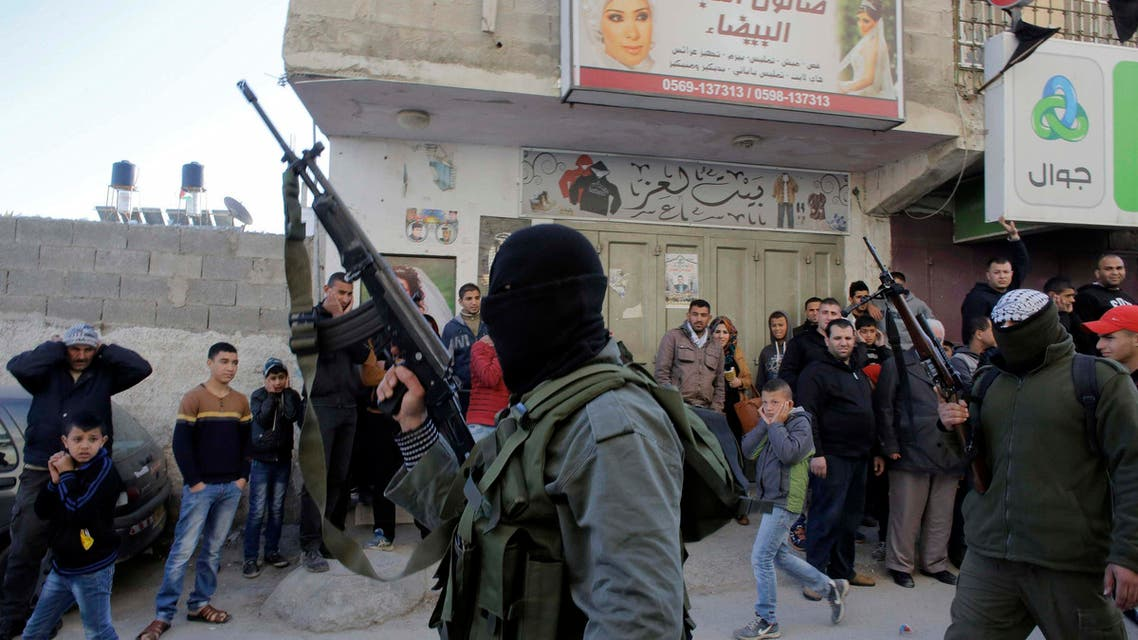 Palestinians clash with Israeli troops