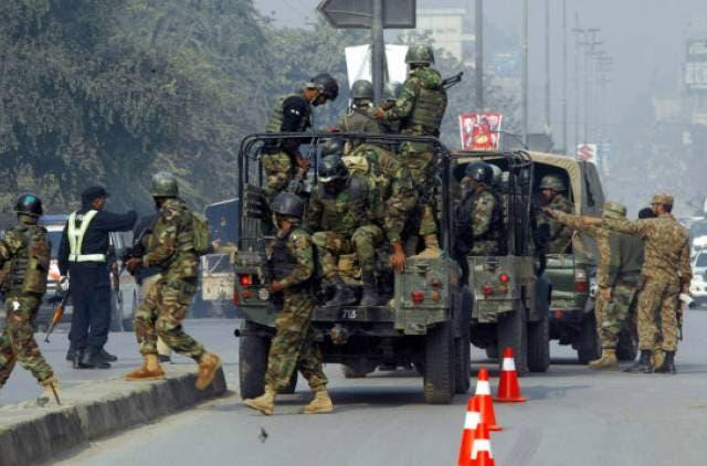 جائے حادثہ پر پولیس کی بھاری نفری تعینات
