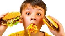 هل تؤثر الوجبات السريعة على نتائج الأطفال المدرسية؟