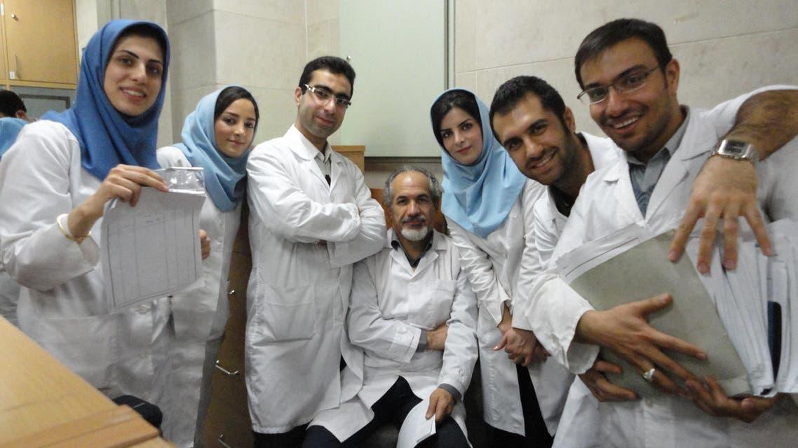 فريق من الباحثين في جامعة طهران للبحوث الطبية