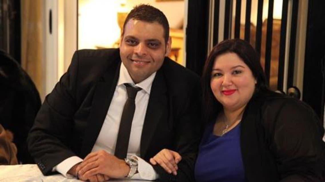 سارة نور الشريف مع خطيبها