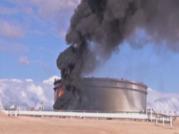حكومة ليبيا تحذر من سيطرة أتباع القذافي على موارد النفط