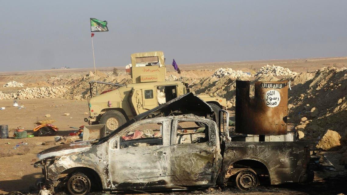 عربة متضررة تابعة لـ داعش في الرمادي