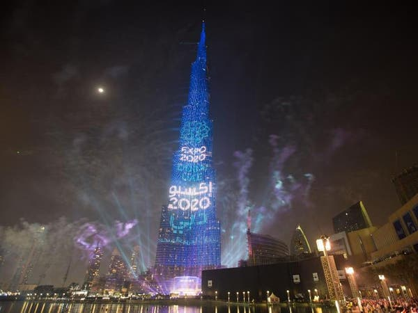 أكبر إضاءة بالعالم مستمرة على برج خليفة حتى 9 يناير