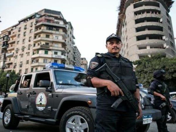 مقتل شرطيين مصريين يحرسان كنيسة برصاص مسلحين