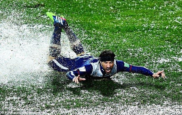 ملعب الرباط تحول لبركة ماء في كأس العالم للأندية
